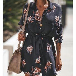 NWT Chic Fall Floral Shirtdress